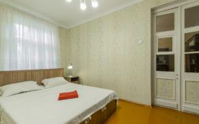 3 комнатная квартира «РэТрёшка»